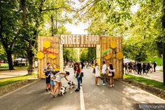 Learn more about Street Food Festival on Cluj-Napoca. Discover new events and things to do, learn more about Cluj and get information and advice in English. Local Hero, Food Festival, Street Food, Romania, Minions, Cities, Picnic, Carnival, Street View