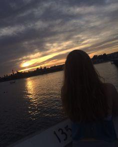 Artsy Photos, Cute Photos, Girl Photos, Cute Girl Photo, Girl Photo Poses, Tumblr Photography, Girl Photography Poses, Fake Instagram, Sunset Girl