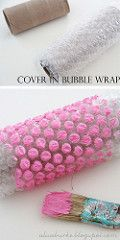 Farbe, Luftpolsterfolie und eine alte Klopapierrolle – mehr braucht man nicht um… Color, bubble wrap and an old toilet paper roll – that's all you need to create beautiful wrapping paper. Diy And Crafts, Crafts For Kids, Arts And Crafts, Paper Crafts, Cardboard Crafts, Paper Paper, Fabric Crafts, Art Projects, Projects To Try