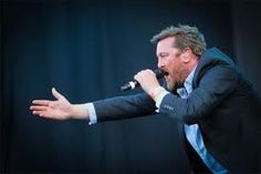 Elbow - another one of my favourite bands. Be sure to see them live : powerful and intimate at the same time.