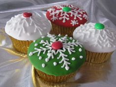 Christmas Cupcakes! I'll ask Mrs. Claus to make some for PNP Santa!
