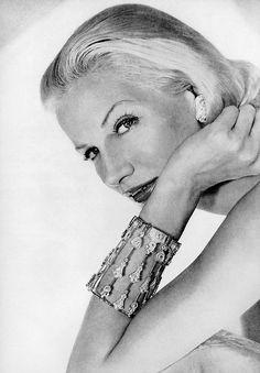 Sunny Harnett, photo by Horst, Vogue, November 1954
