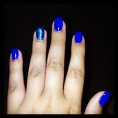 Electric blue and glitter ring fingers