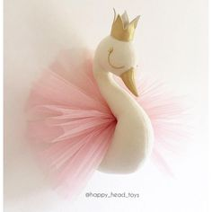 Princess swan. Size M 4035 centimeters. Swan head wall