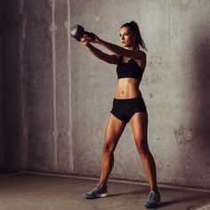 Get the bikini body you want with this sculpting kettlebell workout routine. Get fit and build muscle with this great workout routine that tones your entire body. These exercises will have you looking great this summer!