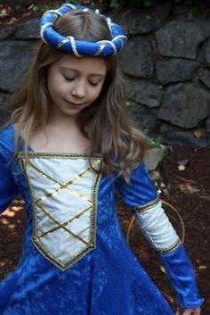 Emily wants a replacement Renaissance costume. Renaissance Costume, Medieval Costume, Medieval Dress, Renaissance Fair, Girl Costumes, Mermaid Costumes, Couple Costumes, Pirate Costumes, Princess Costumes