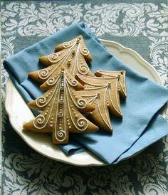 (118) Gallery.ru / Фото #18 - Рождественские печенюшки - Inna-Mina Christmas Biscuits, Christmas Tree Cookies, Xmas Cookies, Iced Cookies, Christmas Gingerbread, Gingerbread Cookies, Fancy Cookies, Cute Cookies, Cupcake Cookies