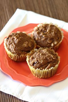 Vegan Oatmeal Molasses Muffins - will use sprouted spelt flour vs. gluten free and swap out the raisins and nuts for dehydrated apple bits