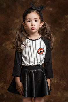 Korean kids model louie tucker by song ha na koreankidsfashion. Beautiful Little Girls, Cute Little Baby, Beautiful Children, Cute Kids, Cute Babies, Korean Picture, Ulzzang Kids, Designer Baby Clothes, Asian Babies