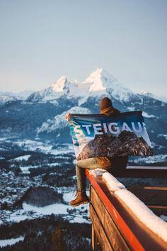 Manchmal will man einfach nur dasitzen und den Ausblick auf die Berge genießen. Auch das ist ein STEIGAUF-Moment.    #steigauf #adventures #nature #mountains #inspiration #motivation #bergsteiger #flags Flags, Mount Everest, Action, Mountains, Motivation, Nature, Travel, Inspiration, Mountain Climbers
