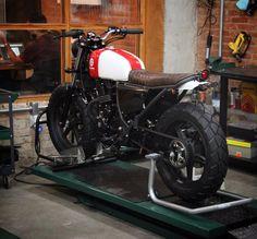 "Honda CB 300 ""Mestra"" by Bendita Macchina"