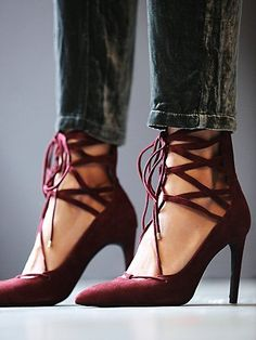 beautiful lace-up burgundy heels http://rstyle.me/n/ssgf9r9te