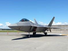 F22 ラプター Us Military Aircraft, Military Weapons, F22 Raptor, Fighter Jets, World, Modern, Planes, Military Guns, Trendy Tree