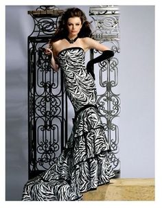 Black And White evening dress | Black And White Formal Gowns ...