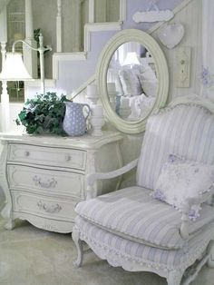 829 best french inspired images painted furniture antique rh pinterest com
