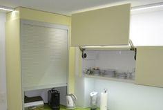 Küche mit Glasrückwand - Funktionelle Einrichtung