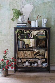 Persica Bookshelf