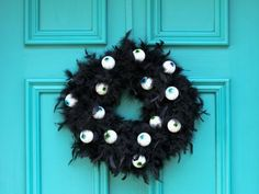How to Make a Wreath with Scary Googly Eyes | how-tos | DIY