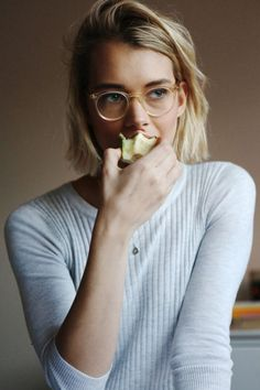 """This is how I'll look eating an apple in my new round glasses!"""