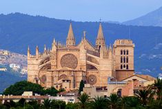The Cathedral of Palma de Mallorca (La Seu) Palma de Mallorca ...
