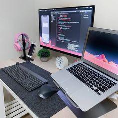 Gaming Room Setup, Computer Setup, Pc Setup, Desk Setup, Computer Coding, Computer Science, Programmer Girl, Tech Room, Desk Inspiration