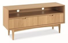 Buy an Oslo Oak Entertainment Unit. A stylish and modern way to store and display your electronic equipment and media devices, this unit has been designed with retro inspiration in mind. Neutral oak solids and veneers create a durable and versatile range.