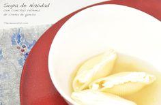 sopa-de-navidad-con-conchas-rellenas-de-crema-de-queso