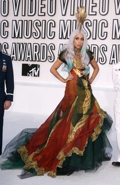 Lady Gaga in Alexander McQueen at 2010 MTV Video Music Awards: Lady Gaga honored the memory of her friend Alexander McQueen at the 2010 VMAs by arriving to the award show in a gown from the last collection he designed. Lady Gaga Outfits, Lady Gaga Dresses, Lady Gaga Fashion, Alexandre Mcqueen, Mtv Video Music Award, Music Awards, Mtv Award, Mtv Music, Mtv Videos