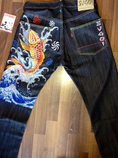 Sugoi Koi Fish Over Water Size 34 USD78 with EMS courier