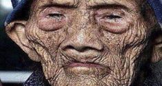 Portrait - Humanity: Oldest Living Person - Chinese woman born in 127 years old. Old Faces, Many Faces, Chengdu, Old Person, Wale, Portraits, Interesting Faces, People Around The World, Old Women