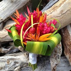 south pacific Floral Centerpieces | Via Nicole Gerace (Bailey)