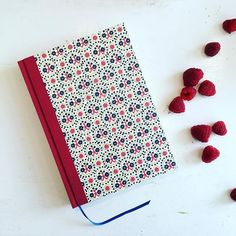 Berries and perfect mood to finish our New Years planning.  Large day planners are still available.  #berries #planner #nauli #largedayplanner #etsy #dawanda #etsylokal #handmade #nauli #kalender #tagesplaner #Jahresplanung #plans #newyearsresolution