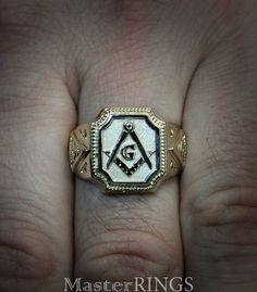 Big masonic signet ring Men masonic ring All-Seeing Eye Masonic Tattoos, Masonic Gifts, Freemason Ring, Masonic Jewelry, Signet Ring, Hand Engraving, Jewelry Gifts, Men's Jewelry, Gold Rings