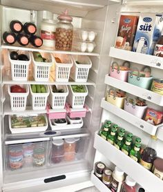 Home Interior Boho DIY Kitchen Organization Ideas Interior Boho DIY Kitchen Organization Ideas Refrigerator Organization, Kitchen Organization Pantry, Home Organisation, Kitchen Pantry, Diy Kitchen, Organization Hacks, Kitchen Decor, Kitchen Storage, Organized Fridge