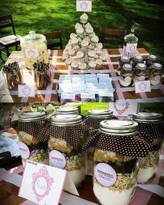 Host-It Notes: The Best Bake Sale