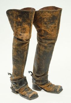 BRIEF DESCRIPTION  Left WELLINGTON worn by Charles XII in Frederick held on 30 november 1718th  NAME  Owner :Charles XII of Sweden  DATING  in 1718  OTHER KEYWORDS  boot  COLLECTION OF THE  Royal Armoury  INVENTORY NUMBER  31182 (3471)