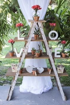 This amazing roundup of wooden ladder wedding decor ideas will get your creative juices flowing. Be it as hanging centerpieces, food displays, backdrops or Chic Wedding, Wedding Trends, Rustic Wedding, Wedding Ideas, Wedding Hair, Wedding Vintage, Trendy Wedding, Summer Wedding, Wedding Etiquette