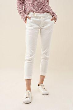 Salsa Jeans ®   Jeans, Roupa e Acessórios para Mulher e Homem Capri Trousers, Second Skin, Body Shapes, White Jeans, Belt, Detail, Fitness, Fabric, Salsa