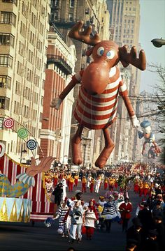 Macy's Thanksgiving Day Parade | Bullwinkle balloon at the 1963 Macy's Thanksgiving Day Parade.