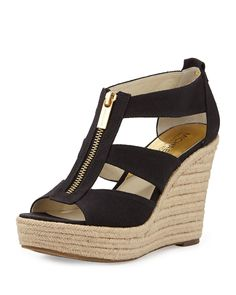 Shop Women's Michael Kors Black size 6 Wedges at a discounted price at Poshmark. Description: Comfortable wedges in great condition and easy for all activities/seasons! Black Wedge Shoes, Black Wedges, Wedge Sandals, Michael Kors Wedges, Handbags Michael Kors, Cute Shoes, Me Too Shoes, Pretty Shoes, Comfortable Wedges
