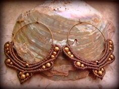 Handmade macrame hoop earrings, unique design in earthy color and brass beads.  Size of the hoops : 40 mm.  These earrings are very light and