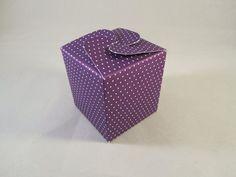 Geschenkschachtel lila Punkte von Frollein KarLa auf DaWanda.com