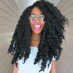 Le secret pour faire pousser les cheveux crépus: 10 femmes qui ont des cheveux afro longs et leurs astuces pour la croissance des cheveux naturels.