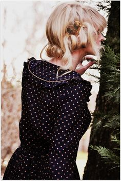 polka dots dress, pleats, collar, hairstyle, sequin hair pin; via courycombs @fancytreehouse