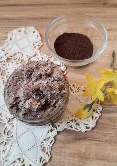 Sugar Scrub Recipe, Sugar Scrub Diy, Diy Scrub, Simple Diy, Easy Diy, Dyi, Liquid Coconut Oil, Vanilla Sugar Scrubs, Vanilla Essential Oil