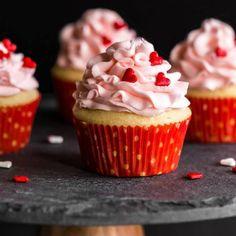 Perfect Eggless Vanilla Cupcakes - Print Eggless Vanilla Cupcakes, Eggless Sugar Cookies, Vanilla Buttercream Frosting, Cake Recipes, Dessert Recipes, Desserts, Cupcake Calories, Pink Food Coloring, 12 Cupcakes