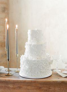 25 Timeless Yet Trendy All-White Wedding Cakes - crazyforus Yellow Grey Weddings, All White Wedding, White Wedding Cakes, Elegant Wedding Cakes, Gray Weddings, Wedding Cake Designs, Wedding Coral, Sophisticated Wedding, Naked Cakes
