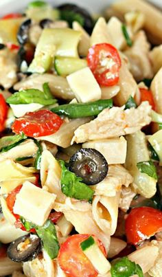 Italian Chicken Pasta Salad Italian Pasta salad with chicken,vegetables and olives Chicken Pasta Salad Recipes, Italian Chicken Pasta, Pasta Salad Italian, Salad Chicken, Italian Chicken Salad Recipe, Healthy Macaroni Salad, Penne Pasta Salads, Recipe Pasta, Shrimp Pasta