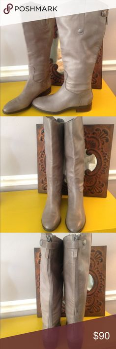 """NEW SAM EDELMAN GRAY PEN'Y BOOT SZ 7.5 (BOX 4) These """"NEW"""" w/ sticker on sole SAM EDEMAN GRAY PENNY 2?BOOTS feature a back zip closure, a 1 1/8"""" heel, 16"""" opening that can be expanded to 17.5 as there is a leather slit at top inside of boot . When opened the boot expands another 1.5 inches. height is 16.5"""" from arch on outside and 15"""" on inside as one side of the boot is taller than the other for character. The outersole measures 10 2/8"""" in length. ! Super cute boots!!! ( box 4) Sam Edelman…"""