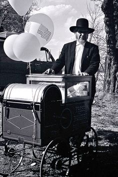 Amish Peddler by John Dreyer, via Flickr